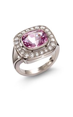 A Cluster Ring With Spinel