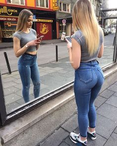 Candid Girls, Look Body, Superenge Jeans, Sweet Jeans, Girls Jeans, Sexy Outfits, Girl Fashion, Sexy Women, Dating Tips