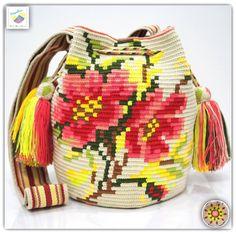 22 отметок «Нравится», 1 комментариев — Wayuu Bags &Bikini etc. (@wayuukiss) в Instagram: «Wayuu bag double strands รุ่น Premium quality ⭕️Sold out⭕️ •ฐาน 8.5นิ้ว สูง 11 นิ้ว •สายยาว 108 cm.…»