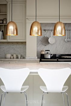 Copper Design Ideas Home Décor for Fall : Sleek Modern Design Lamp And White Chair For Kitchen Decoration With Copper Pendant Lamps And Marble Kitchen Islands Also White Modern Seats Also Marble Backsplash Ideas Home Interior, Kitchen Interior, New Kitchen, Kitchen Decor, Interior Design, Gold Kitchen, Neutral Kitchen, Kitchen Pendants, Space Kitchen