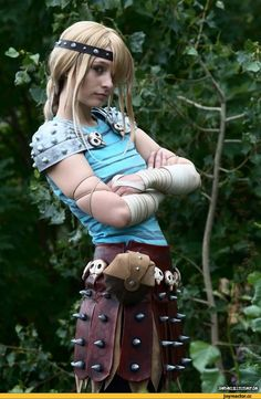 Spot on Astrid cosplay from httyd Disney Cosplay, Anime Cosplay, Epic Cosplay, Amazing Cosplay, Cosplay Outfits, Cosplay Girls, Female Cosplay, Astrid Cosplay, Astrid Costume