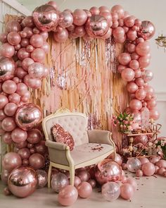 Quinceanera Party Planning – 5 Secrets For Having The Best Mexican Birthday Party Gold Birthday Party, Sweet 16 Birthday, Birthday Party Decorations, Party Themes, Birthday Parties, Birthday Ideas, Decoration Party, Rose Gold Party Decorations, Ideas Party