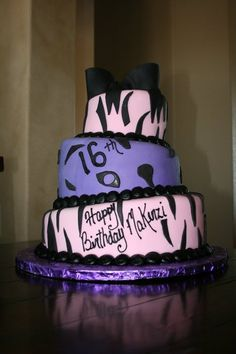 This was my 16th birthday cake. Each layer was a different flavor and it was really good.   #sweet #birthday #cake #food