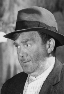 """THOMAS MITCHELL - usually played someone down on his luck.  best remembered as Mr. O'Hara in """"Gone With The Wind""""..... Scarlette's father"""