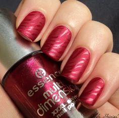 Essence Right, Girl mattified with shiny stamping