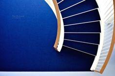 Escalier bleu by ruedulavoir.com