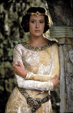 Sophie Marceau in Braveheart (1995). Set in 13th century Scotland, the film's costume designer was Charles Knode.