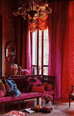 bright-pink-orange-room