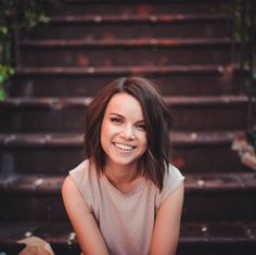 Ingrid Nilsen haircut