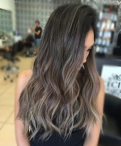 Ash tones and hair flips. @fanola_usa #kycolor #ash #blonde #longhair…