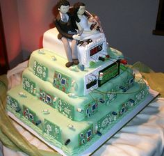 Nerdy Wedding Cake Decorated with Circuit Boards Wedding Cake Decorations, Wedding Cake Designs, Wedding Cake Toppers, Wedding Ideas, Wedding Stuff, Dream Wedding, Geek Wedding, Perfect Wedding, Wedding Planning