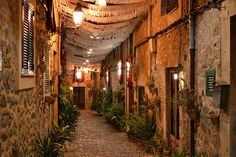 Id love to have a party in this alley