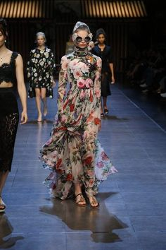 Dolce-Gabbana-Spring-Summer-2016-Runway32