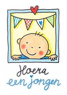 Een vrolijke, getekende kaart om te feliciteren met de geboorte van een jongen. Boven de baby hangt een slinger en bovenaan een rood hart