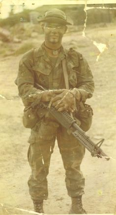 US Army Ranger with M60 machine gun, 1972