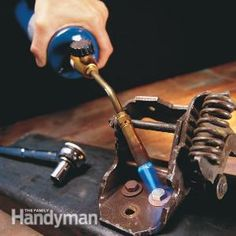 Tips for Loosening Nuts, Bolts and Screws Πως να χαλαρώσετε σφιγμένες βίδες , παξιμάδια