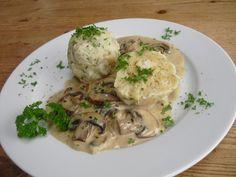 Semmelknödel mit Champignonsoße, ein raffiniertes Rezept mit Bild aus der Kategorie Kochen. 33 Bewertungen: Ø 4,4. Tags: Beilage, gekocht, Hauptspeise, Klöße, Pilze, Vegetarisch