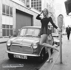 Jenny Clare next to her Leyland Mini 1972 … – Oldtimer – Motorrad Mini Morris, Mini Cooper Noir, Sexy Cars, Hot Cars, Sexy Autos, Up Auto, Auto Rent, Small Cars, Classic Mini