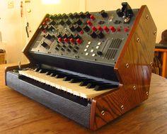 Cool custom synth www.noystoise.com/