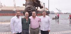 Fue en Macroplaza del Malecón del puerto de Veracruz, donde dio la bienvenida a esta muestra de arte que engalanará los XXII Juegos Centroamericanos y del Caribe (JCC) Veracruz 2014 y la XXIV Cumbre Iberoamericana de Jefes de Estado y de Gobierno.