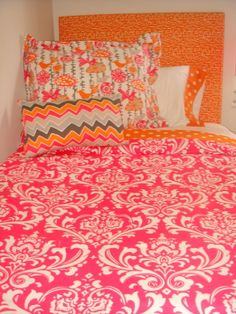 Custom dorm bedding packages from Cute dorm room bedding sets complete with throw pillows, duvet cover, bed skirt, headboard and more. Each dorm xl bedding set is a full dorm room look! Cute Dorm Rooms, College Dorm Rooms, Dorm Room Bedding, Bedroom, Dorm Room Organization, Organization Ideas, Pink Room, Duvet Covers, Sweet Home