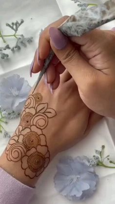 Mehndi Designs Front Hand, Floral Henna Designs, Henna Tattoo Designs Simple, Finger Henna Designs, Latest Bridal Mehndi Designs, Full Hand Mehndi Designs, Stylish Mehndi Designs, Henna Art Designs, Mehndi Designs For Beginners