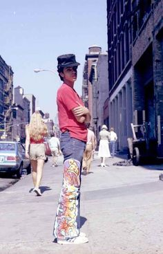 rootsnrooftops: theretrospectofhiphop: The legendary Rock Steady Crew's Pop Master Fabe in Photo by Henry Chalfant. Inspiration for life Fabel 80s Hip Hop, Hip Hop Rap, Nyc Fashion, Hip Hop Fashion, Jamel Shabazz, Wild Style, Youth Culture, Urban Outfits, Adidas