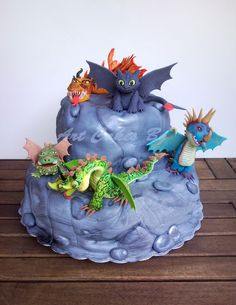 Cake : How To Train Your Dragon  Dragons: Riders of Berk   Dragons: Defenders of Berk