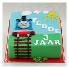 Thomas the train birthday cake :), easy version Thomas Birthday Cakes, Thomas Birthday Parties, Thomas Cakes, Thomas The Train Birthday Party, 2 Birthday Cake, Train Party, Birthday Ideas, Thomas The Tank Cake, Foundant