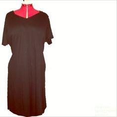 Simple little black dress Short sleeve simple black dress. Knee length fits 2/3x Dresses Midi