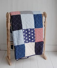 Boys bedroom - A stars and stripes quilt