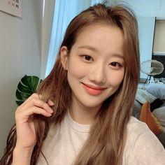 Chinese Actress, Kpop Outfits, K Idols, Korean Girl Groups, Girl Crushes, Girl Power, Kpop Girls, Asian Beauty, Actresses