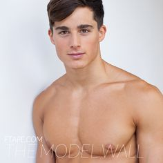 Imagen de http://ftape.com/model/wp-content/uploads/2013/08/Pietro-Boselli-The-Model-Wall-FTAPE-11.jpg.