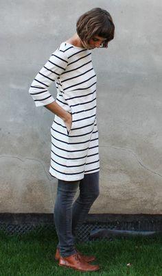 Rosa P. – Kleid 1 – Mein gewisses Etwas - Rosa P. – Kleid 1 – Mein gewisses Etwas Source by maresagro - Diy Fashion, Womens Fashion, Fashion Design, Fashion Trends, Teenager Mode, Cute Baby Videos, Tunic Sweater, Couture, Diy Clothes