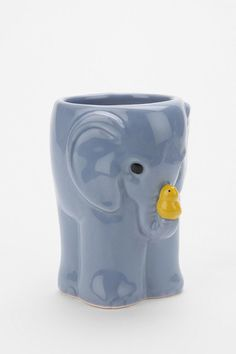 super cute toothbrush holder Elephants Never Forget, Kids Bath, 4 H, Glazed Ceramic, Toothbrush Holder, Ceramics, Awesome Things, Bathroom, Brushes