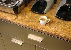 Madura Gold Lustruit este granit in grosime de 2 cm, culori valuri luminoase proeminente, tonuri profunde galben aurii. Acest model de granit prezinta valuri mai subtiri sau pete de gri si negru. , 377.05 , Granit Peta, Nespresso, Coffee Maker, Gold, Coffee Maker Machine, Coffee Percolator, Coffee Making Machine, Coffeemaker, Maps