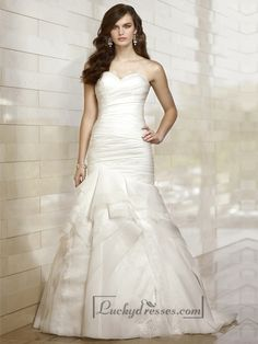Lovely Fit and Flare Sweetheart Lace Layers Wedding Dresses