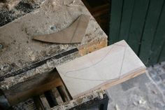 Pictorial Build-Along Tutorial- My third Canadian style canoe - skin on frame construction (SOF) Wooden Canoe, Wooden Boat Building, Wooden Boat Plans, Boat Building Plans, Make A Boat, Diy Boat, Canoe Boat, Canoe And Kayak, Canoeing