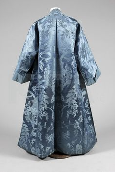 Two Nerdy History Girls: One Beautiful Blue Banyan, c.1740 (even Lord Honeybadger approves!)