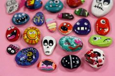 Cómo pintar piedras Halloween Rocks, Rock Art, Painted Rocks, Holiday, Diy, Rock Painting, Ideas, Painted Bottles, Hand Painted Rocks