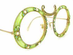 Rare Vintage Christian Dior Sunglasses by on Etsy -pretty Fabulous! Vintage Store, Vintage Fur, Vintage Chanel, Etsy Vintage, Funky Glasses, Glasses Frames, John Galliano, Dior Eyeglasses, Christian Dior Sunglasses