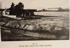 """La Chiesa delle Anime de' Corpi Decollati in una fotografia d'autore ignoto e non datata, che raffigura tale edificio sacro prima del """"rifacimento"""" testimoniato dalla litografia."""