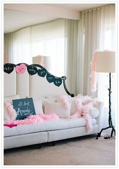 I know this is supposed to be bachelorette room but I love the sofa for a little girls room