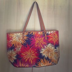 """""""Neverfull-style"""" Nine West tote Beautiful, NWOT, bold colored chrysanthemum handbag. Never carried. Lovely & roomy, coated canvas. Nine West Bags Totes"""