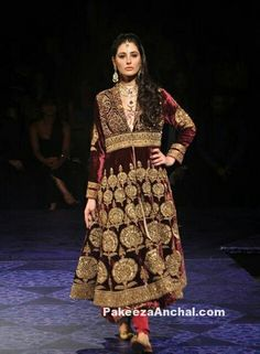 Zardozi on velvet Zardozi Embroidery, Indian Ethnic, Bollywood Fashion, Lace Skirt, Cool Outfits, Sari, Velvet, Bridal, Skirts