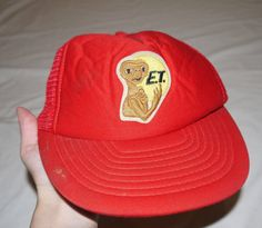 Vintage E.T. The Extra Terrestrial Men's L Red by electricsquid