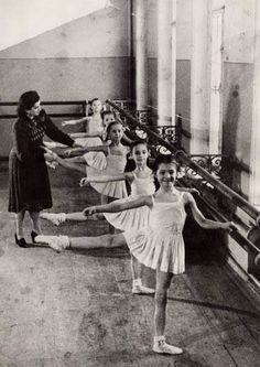 bolshoi ballet school www.thewonderfulworldofdance.com #ballet #dance