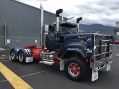 Mack superliner Full resto.