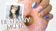BETHANY MOTA Pizza, Bows & Stars Nails!