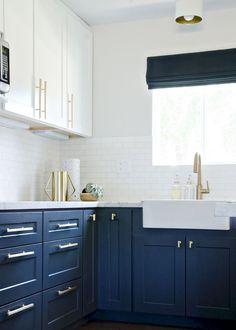 Cool 75 Beautiful Kitchen Backsplash with Dark Cabinets Decor Ideas https://roomodeling.com/75-beautiful-kitchen-backsplash-dark-cabinets-decor-ideas